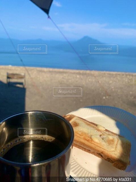 モーニングコーヒー byレイクキャンプの写真・画像素材[4770685]