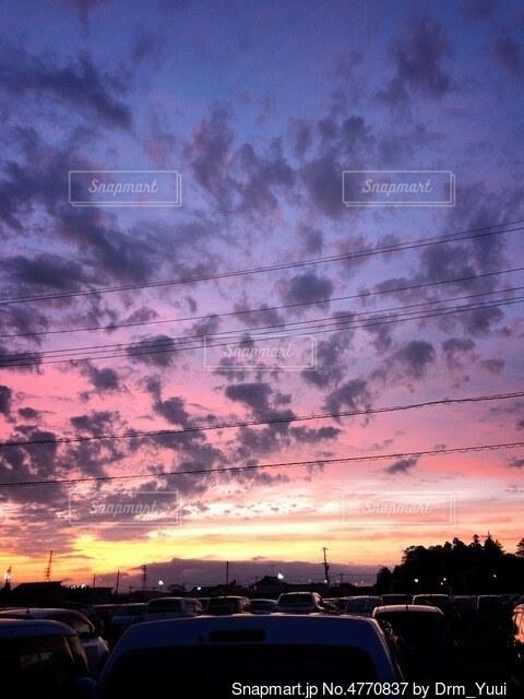 夕焼け空に魅せられての写真・画像素材[4770837]