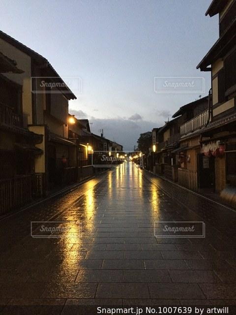 祇園の早朝の写真・画像素材[1007639]