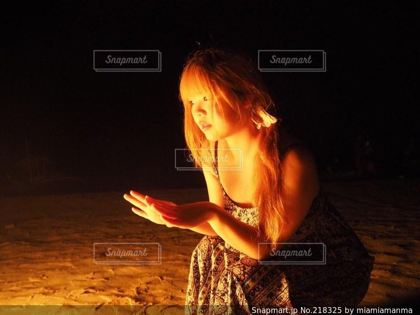 女性の写真・画像素材[218325]