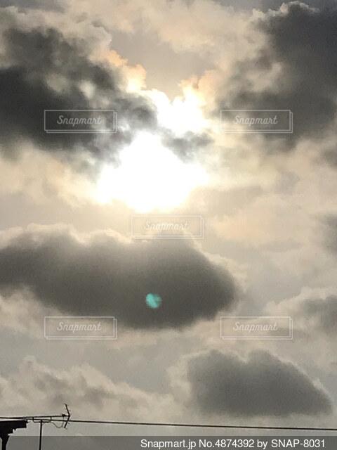 反射した夕日2の写真・画像素材[4874392]