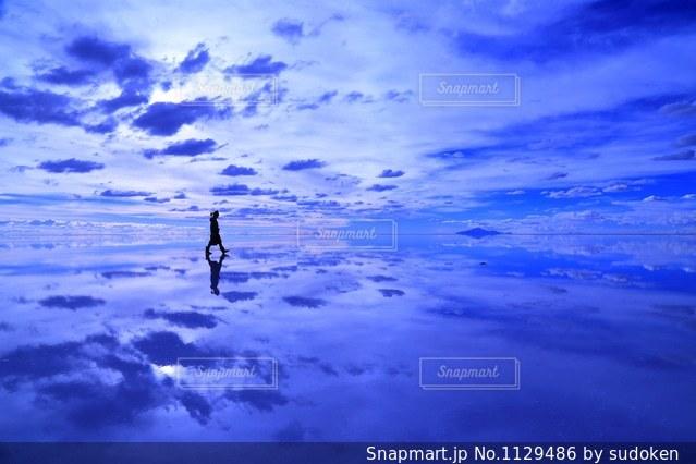 ウユニ塩湖の写真・画像素材[1129486]