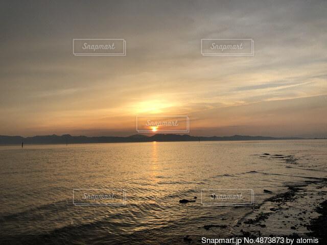 沈む夕日の写真・画像素材[4873873]