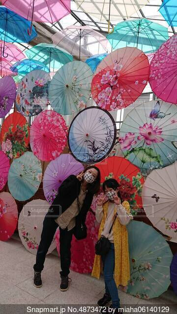 綺麗な傘だねの写真・画像素材[4873472]