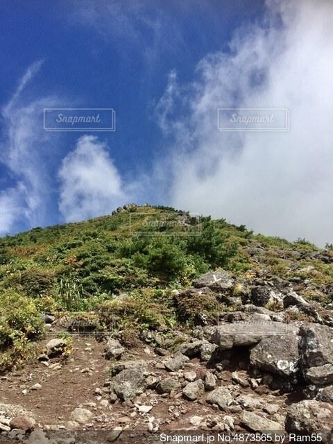 百名山 登山道を歩くの写真・画像素材[4873565]