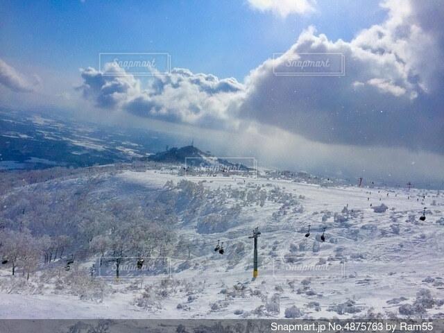 スキー場とリフトの写真・画像素材[4875763]
