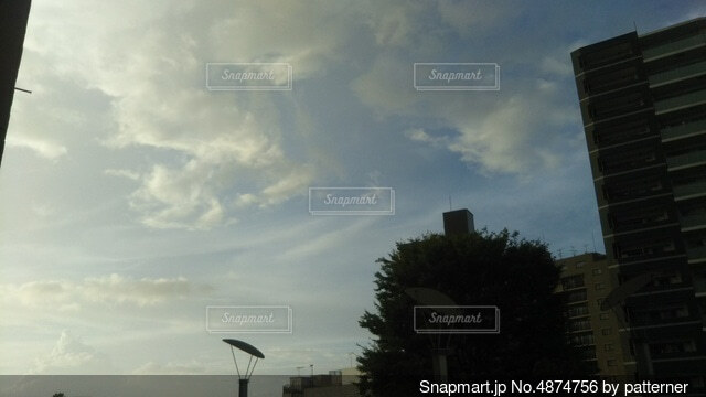 空の雲の群の写真・画像素材[4874756]