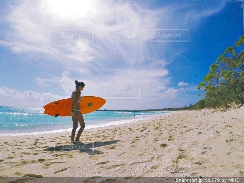 海の横にある砂浜のビーチの写真・画像素材[179]
