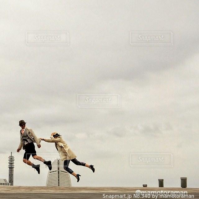 空気中のジャンプの人々 のグループ - No.340