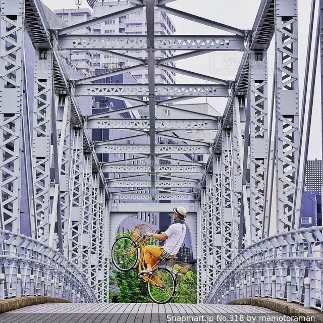 近くの橋の上 - No.318