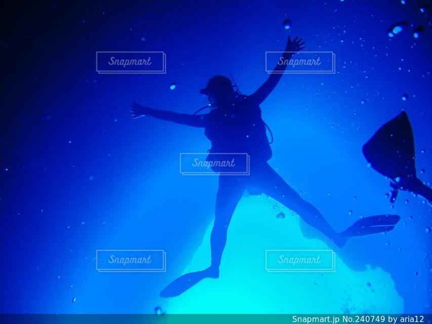 海,絶景,海中,ダイビング,スキューバダイビング,パラオ,ブルーホール,ダイバー,スキューバ,レクリエーション