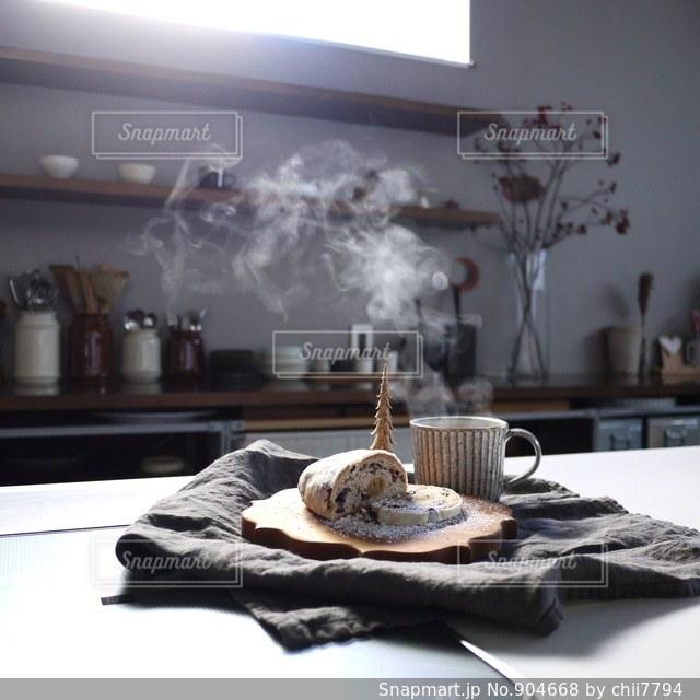 コーヒーとシュトレンとキッチン - No.904668