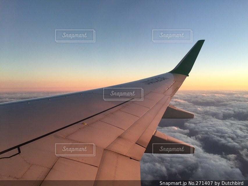 風景,空,乗り物,夕日,雲,飛行機,翼,夕焼