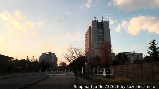 夕暮れ時の都市の景色の写真・画像素材[732626]