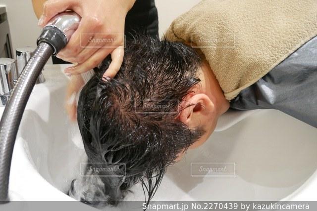 歯を磨く人の写真・画像素材[2270439]