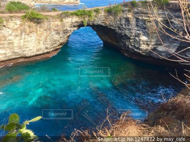 撮影地→バリ、ヌサペニダ島のBroken Beach(ブロークンビーチ)の写真・画像素材[1247872]