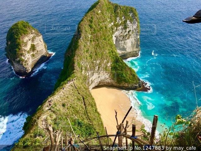 撮影地→インドネシア、バリ近くのヌサペニダ島。の写真・画像素材[1247883]