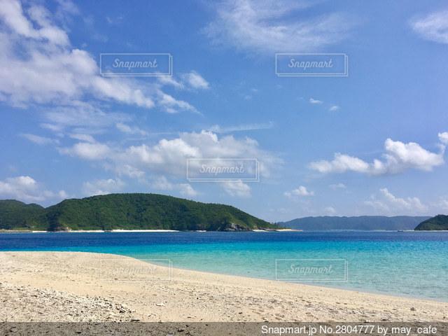 沖縄、安慶名敷島の写真・画像素材[2804777]