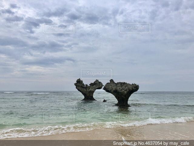 ハート岩の写真・画像素材[4637054]