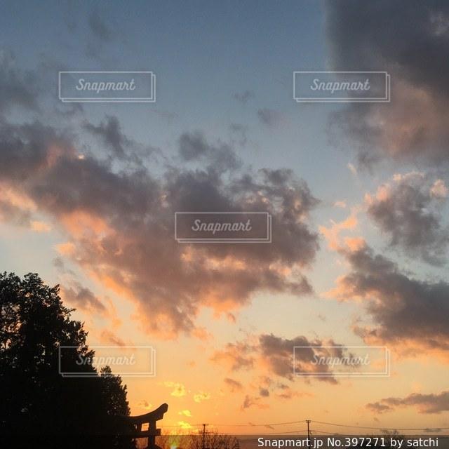 空,神社,雲,夕焼け,鳥居,電柱