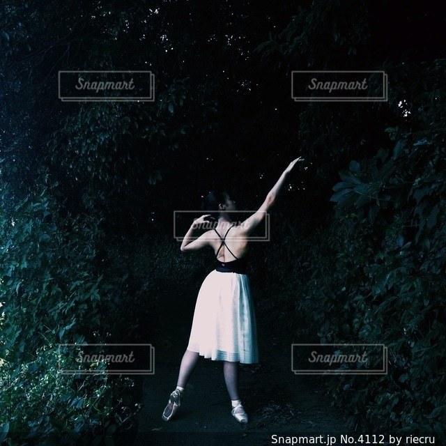 女性の写真・画像素材[4112]