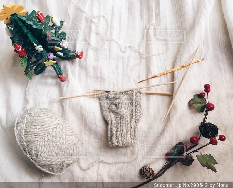 編みかけのミトンの写真・画像素材[290642]