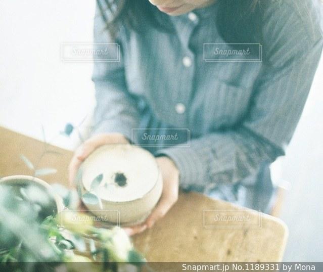 カフェでお茶の写真・画像素材[1189331]