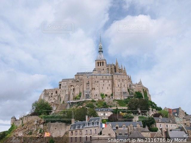 フランスにあるモン・サン・ミシェルの写真・画像素材[2116786]