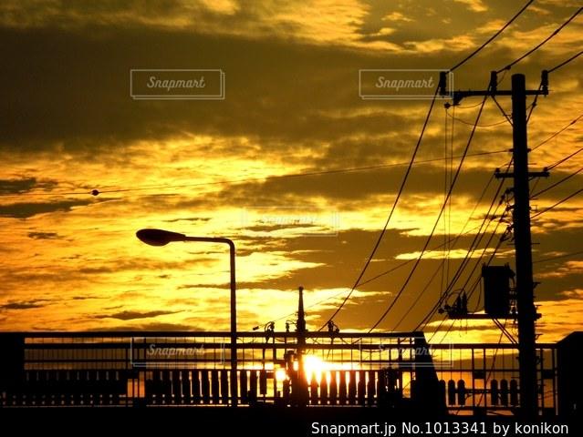 夕暮れ時の景色の写真・画像素材[1013341]