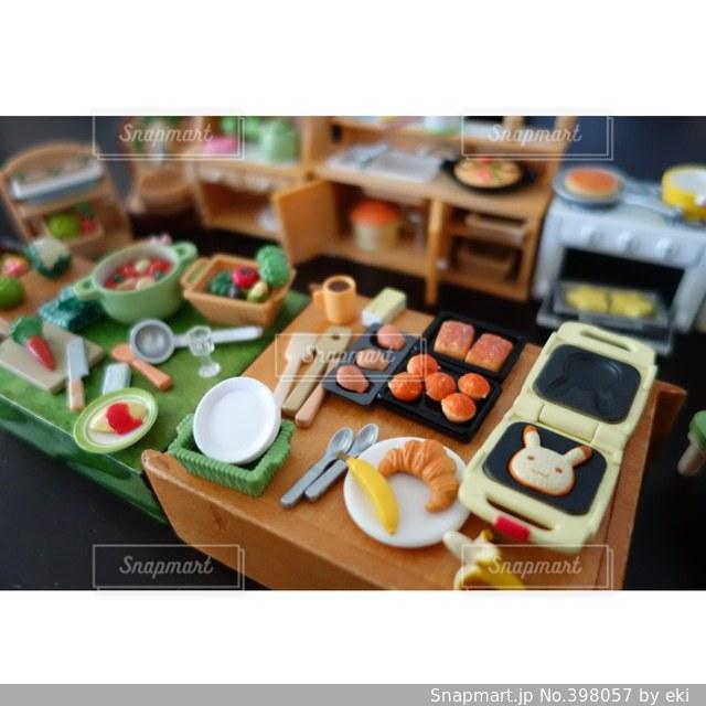 パンケーキ,キッチン,ミニチュア,パン,ポトフ,包丁,野菜,ワッフル,皿,食器,おもちゃ,鍋,人参,ミニ,台所,料理,クロワッサン,クッキング,オムライス,オーブン,冷蔵庫,おままごと,バナナ,マドレーヌ,ミトン