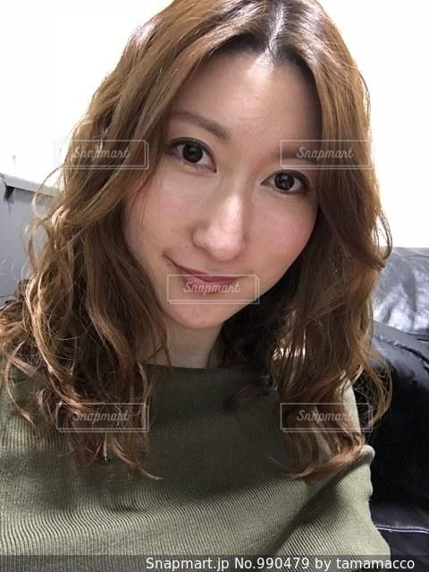 selfie を取る女性 - No.990479