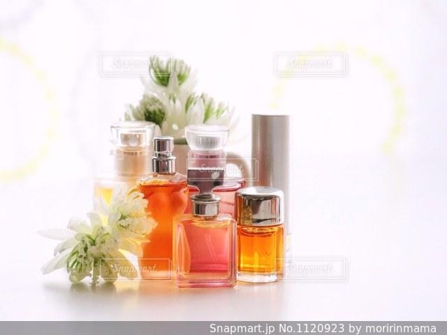 香水の写真・画像素材[1120923]