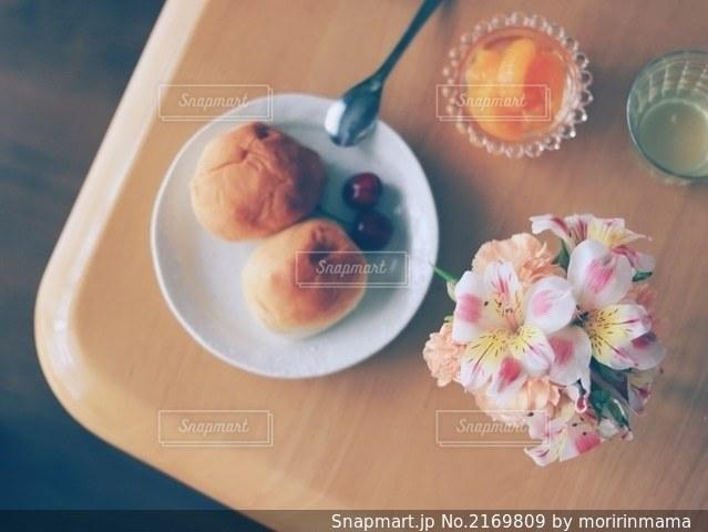 花のある生活の写真・画像素材[2169809]