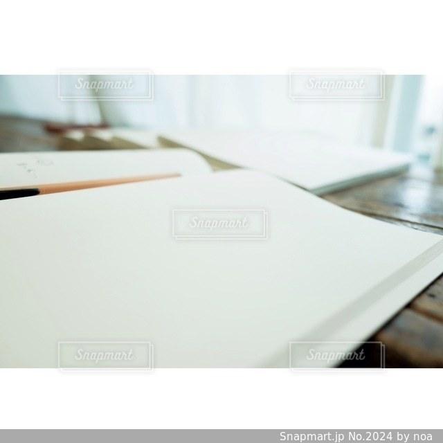 白の写真・画像素材[2024]