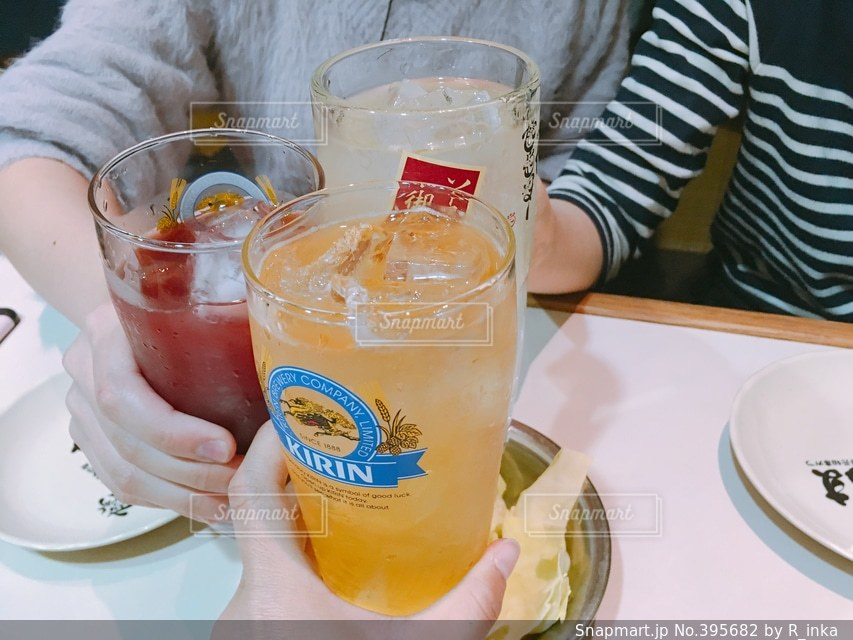 お酒,乾杯,飲み会,友達,居酒屋