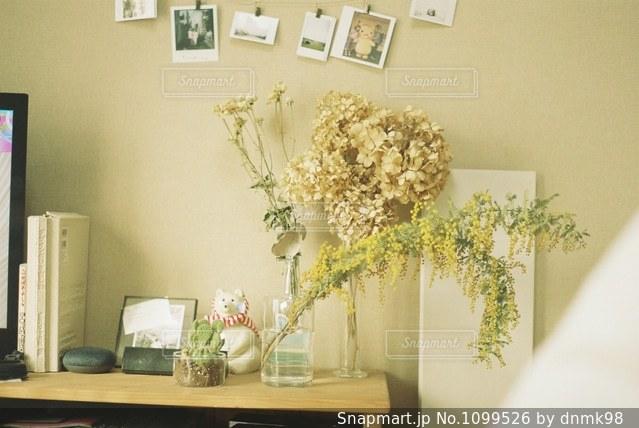 花のある暮らしの写真・画像素材[1099526]