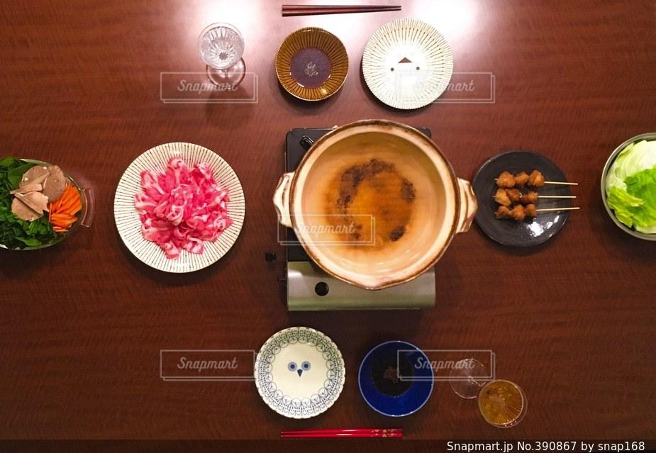 食事,食卓,家,ごはん,おうち,しゃぶしゃぶ,焼鳥,豚肉,団らん,団欒,ぼんじり