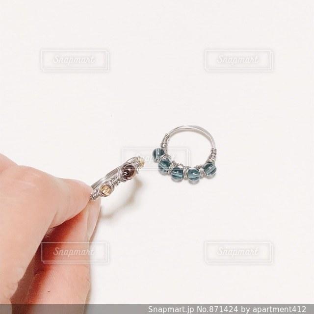 ハンドメイドのワイヤーリングの写真・画像素材[871424]