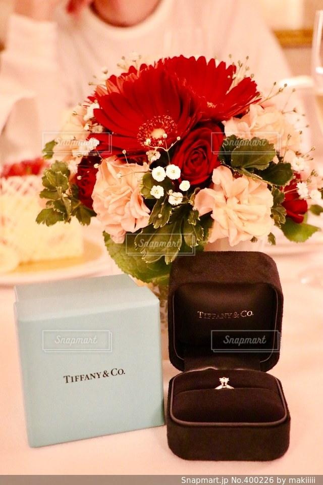 恋人,花,ケーキ,プレゼント,リング,愛,幸せ,誕生日,デート,ハッピー,ありがとう,サプライズ,プロポーズ,ツーショット