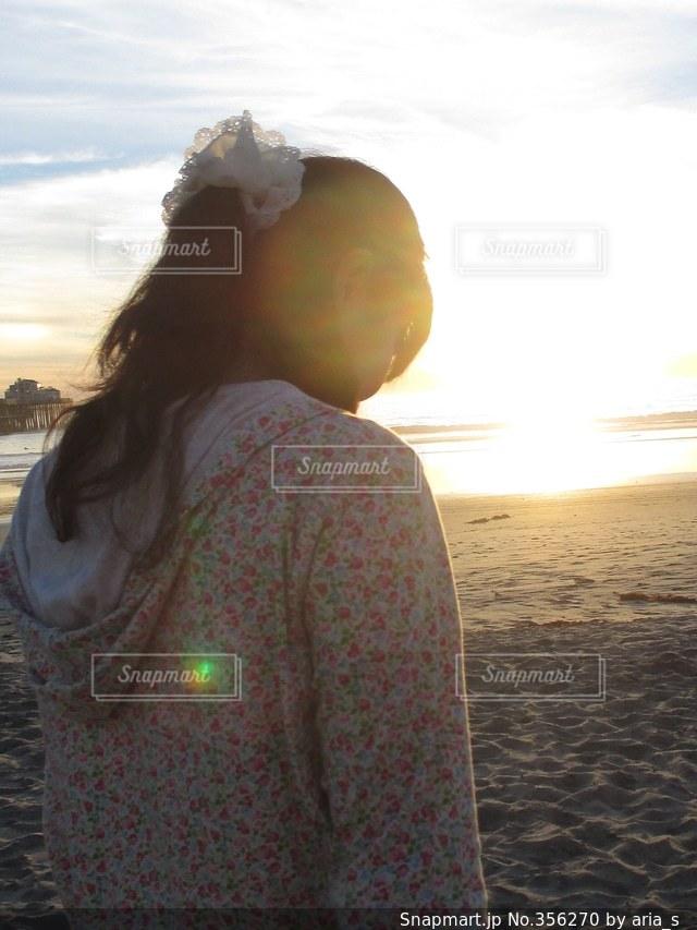 女性,風景,海,空,夕日,ビーチ,後ろ姿,アメリカ,カリフォルニア,サンディエゴ
