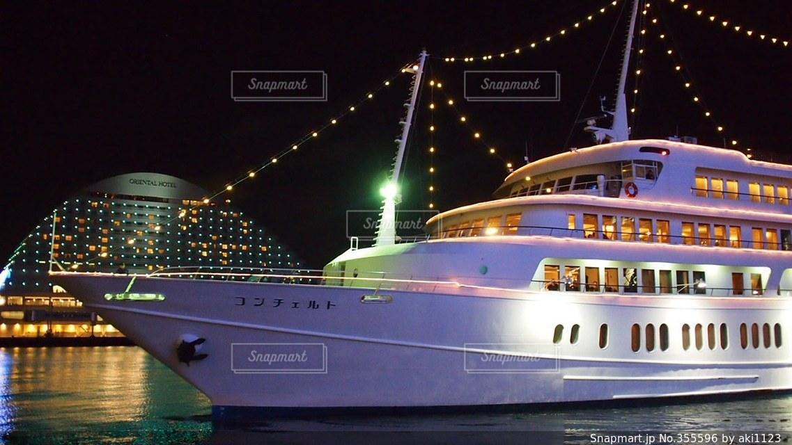 夜,夜景,綺麗,海辺,船,観光,イルミネーション,旅行