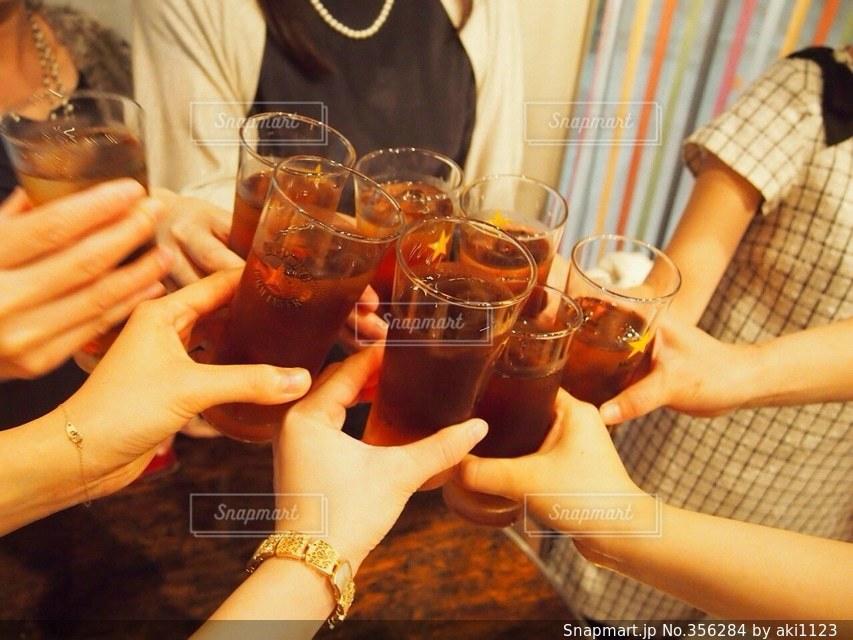 20代,女,乾杯,飲み会,友達