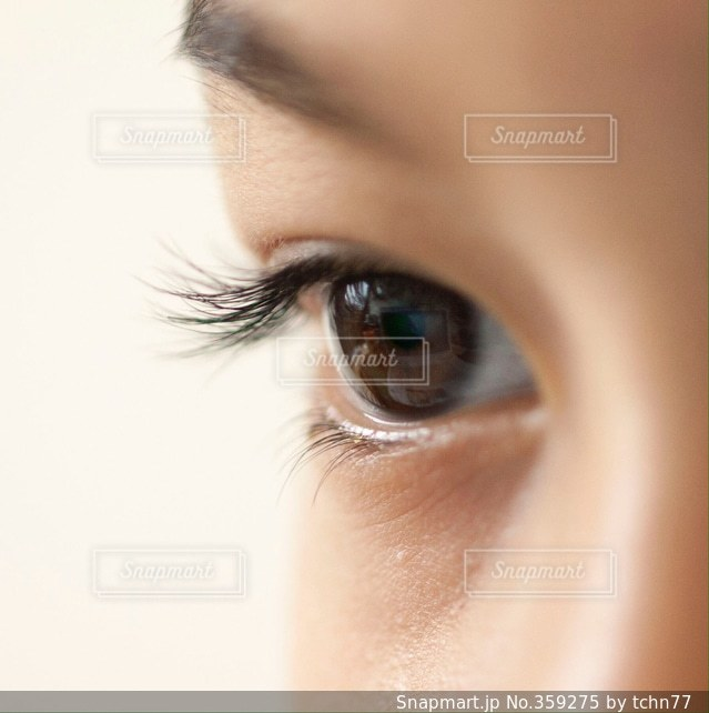 少年,男の子,目,視線,まつ毛