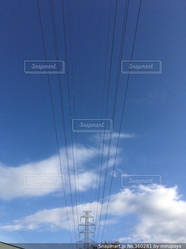 空,電柱,電線,晴れた日,見上げると