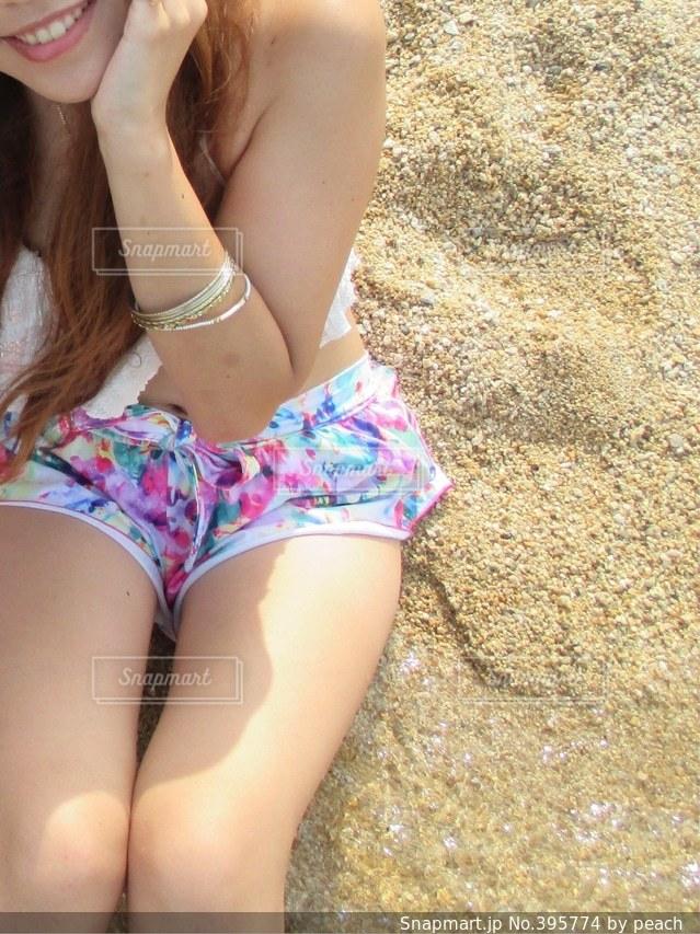 女性,1人,夏,足,砂浜,水着