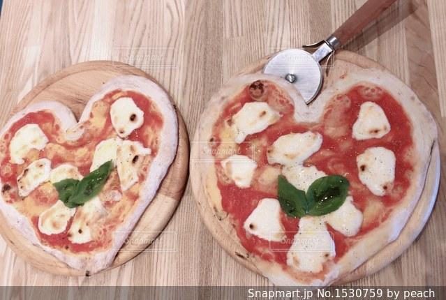 ハートのピザの写真・画像素材[1530759]