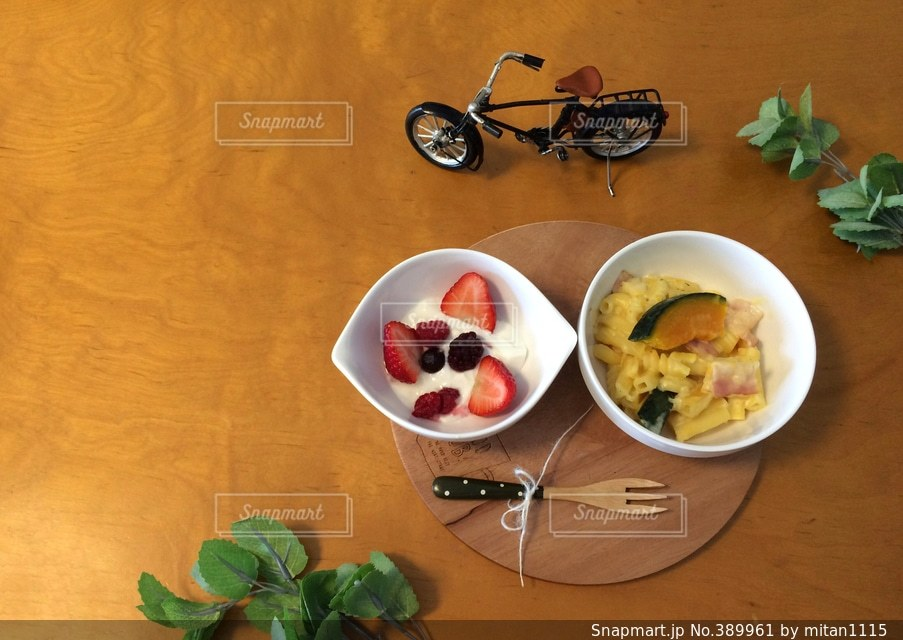 カフェ,食卓,朝食,苺,テーブル,かぼちゃ,ヨーグルト,朝ごはん,ナチュラル,グラタン,イチゴ,木苺