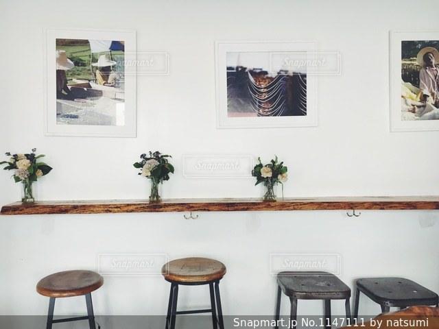 オシャレな内装のコーヒーカフェにて☕️カリフォルニア・ベニスを散策する際にぜひ立ち寄って欲しい地元の人が通うコーヒー屋さん🇺🇸の写真・画像素材[1147111]