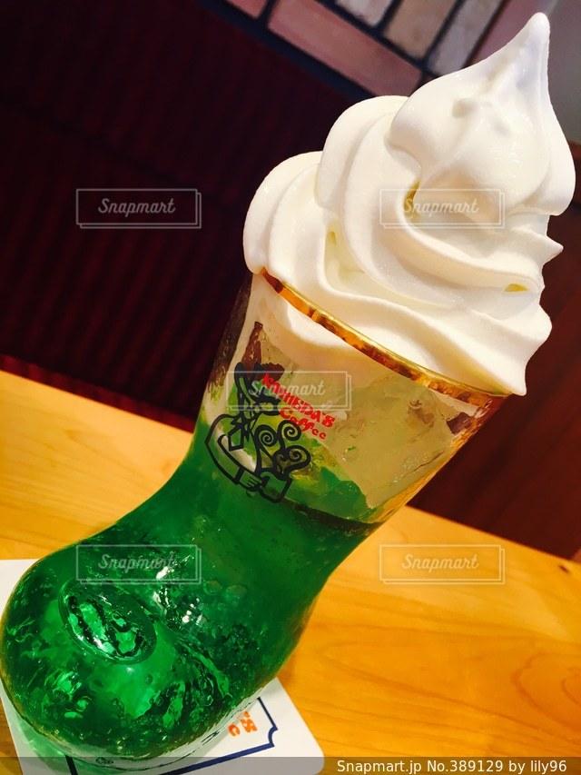 飲み物,夏,緑,ソフトクリーム,ドリンク,クリームソーダ,コメダ,コメダコーヒー