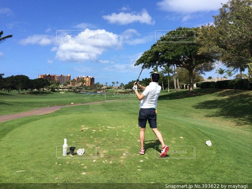 男性,芝生,青空,ゴルフ,ハワイ,バカンス,リゾート,リゾートゴルフ